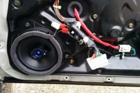 今日はステージアM35のスピーカーを自分で変えました。