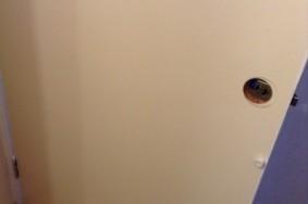 DIY シリーズ 7回目 ドアシリーズ2回目 トイレドア 洗面所ドア カッティングシート貼り & ドアノブ替え